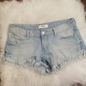 Forever 21 distressed denim shorts💖